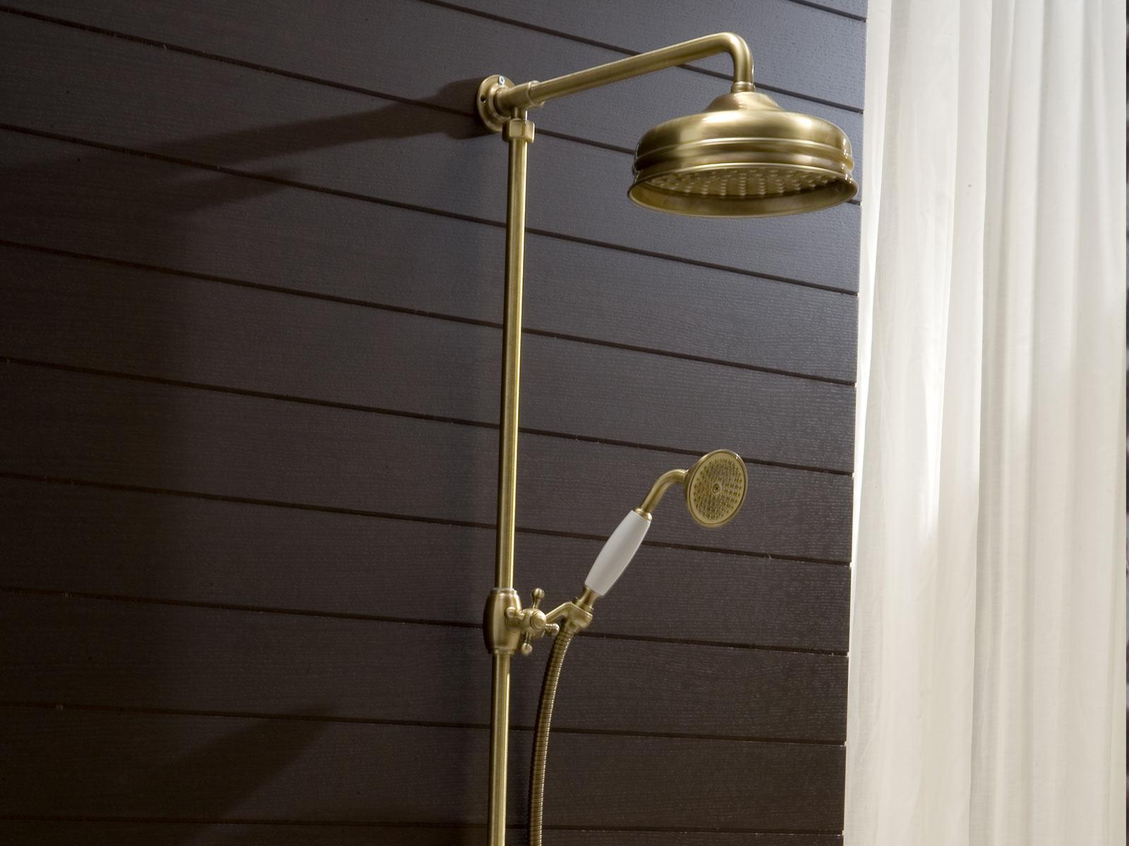 Detalle Conjunto ducha termostatico Florencia, acabado bronce.